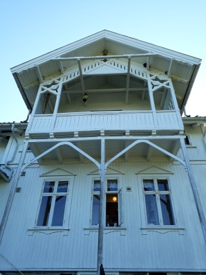 Jomfruland Hovedgård, a 110 year old farmhouse available to rent.   Image: T. Thorne.